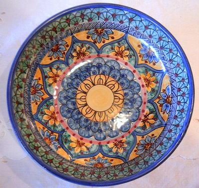 Ciotola /insalatiera/spaghettiera in ceramica.Dipinta a mano.Decoro Geo/Floris.