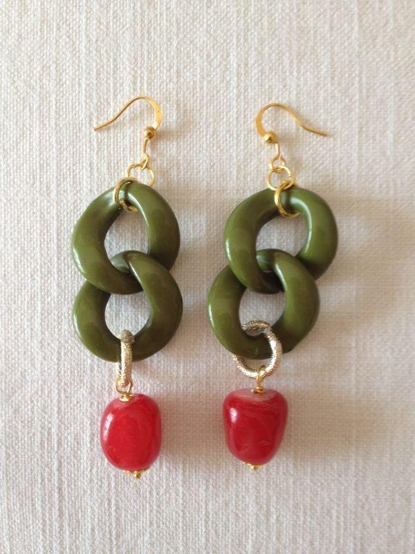 orecchini con pietre dure e resina