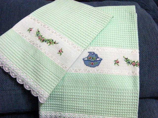 Asciugamano e ospite verde punto croce