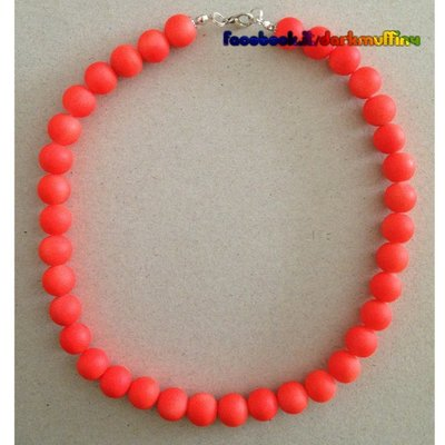 Collana corta girocollo arancio fluo moda low cost