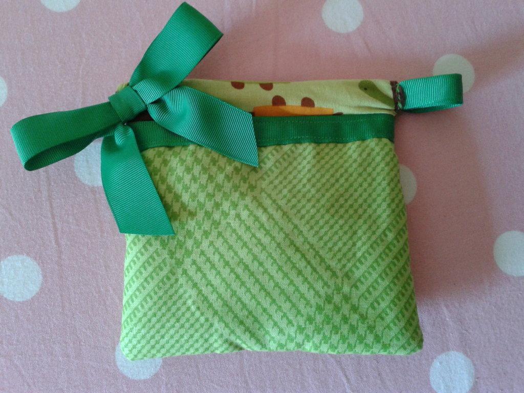Astuccino in stoffa di cotone verde