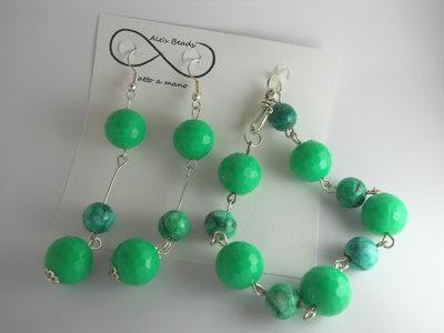 bracciale e orecchini verde brillante