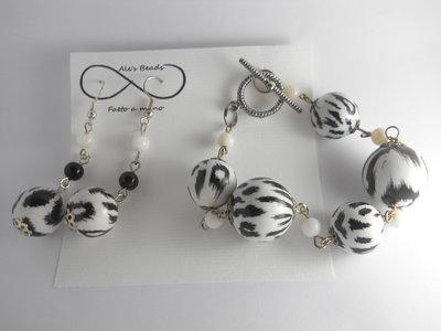 bracciale e orecchini zebrati