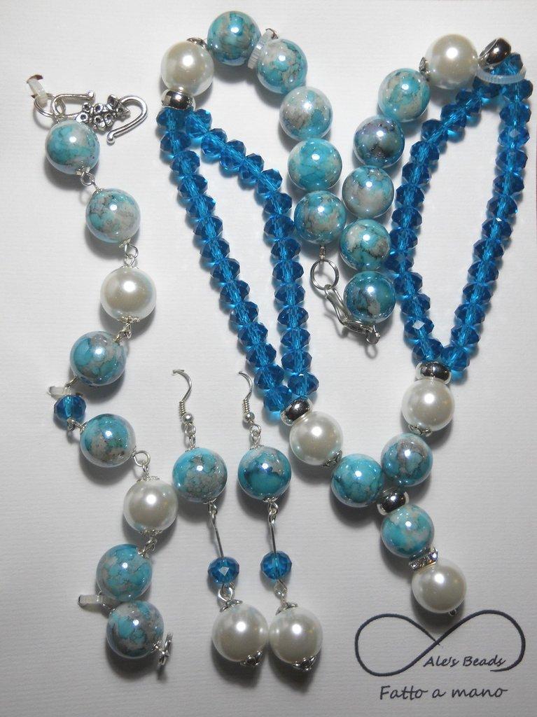 collana orecchini e bracciale con perle e strass petrolio