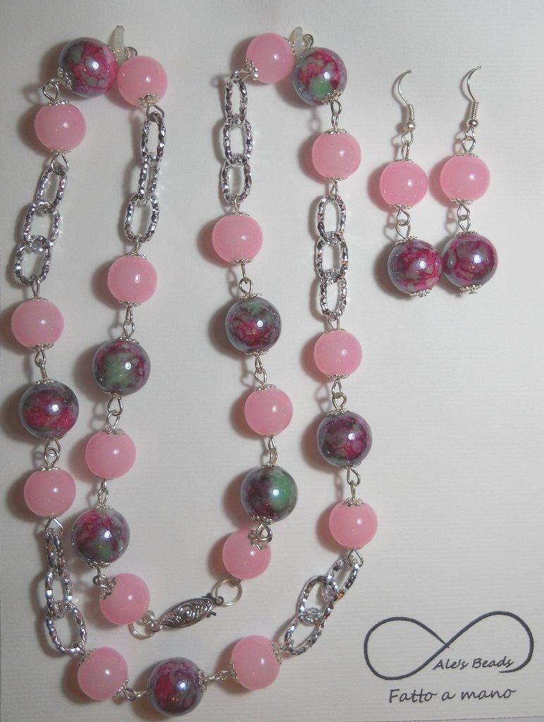 collana e orecchini rosa e fucsia