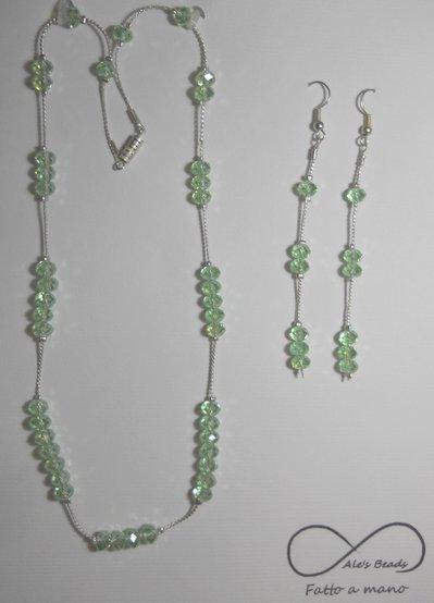 collana e orecchini verde