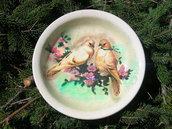 Piatto decorato con colombe