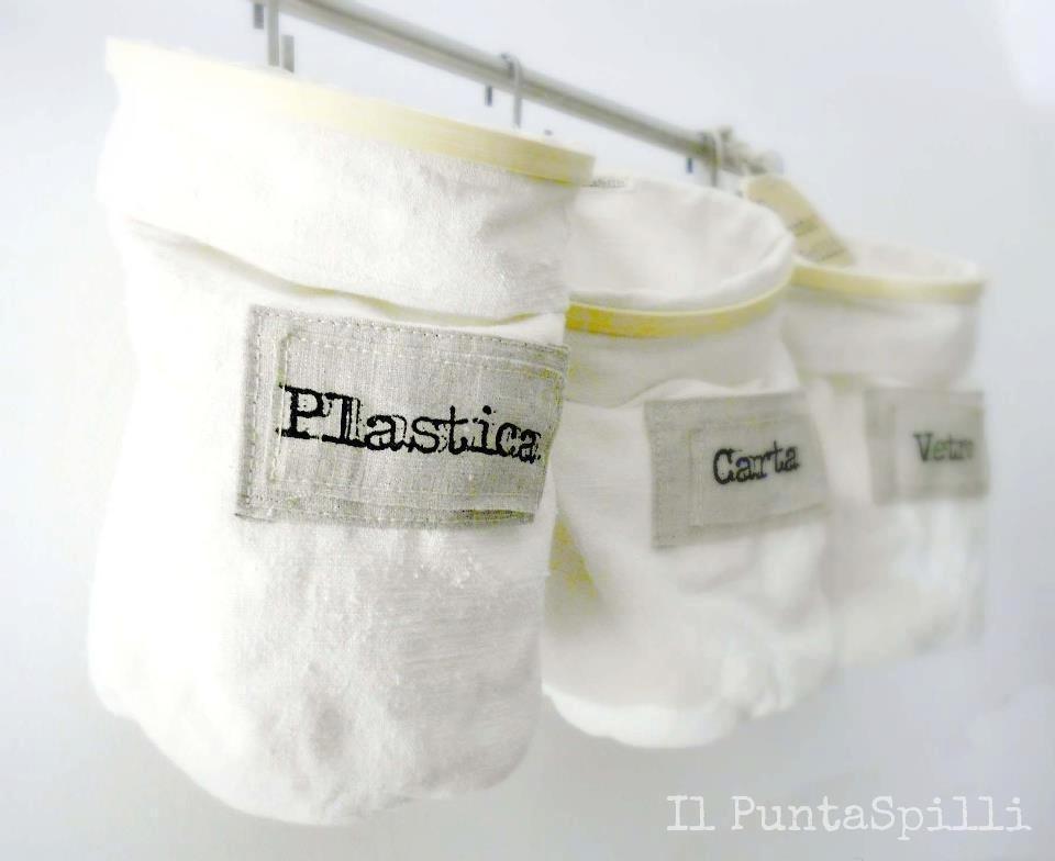 Set di Cestini Porta Oggetti in tessuto di cotone fiammato otteuti riciclando telai per il ricamo
