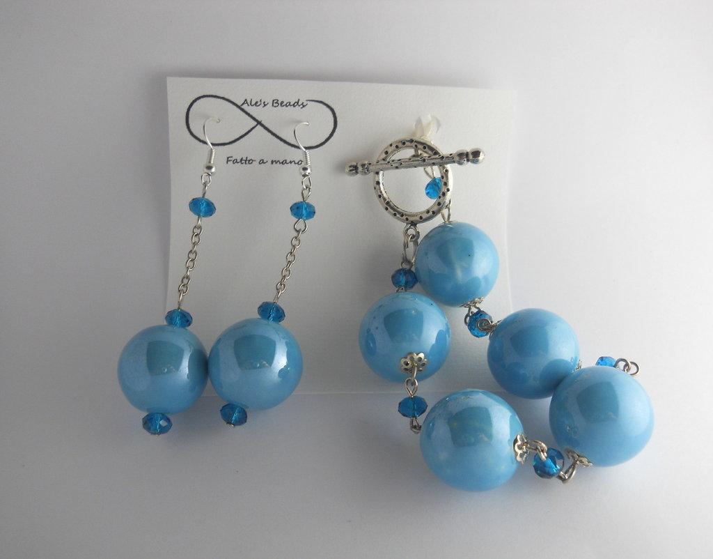 bracciale e orecchini azzurro lucido