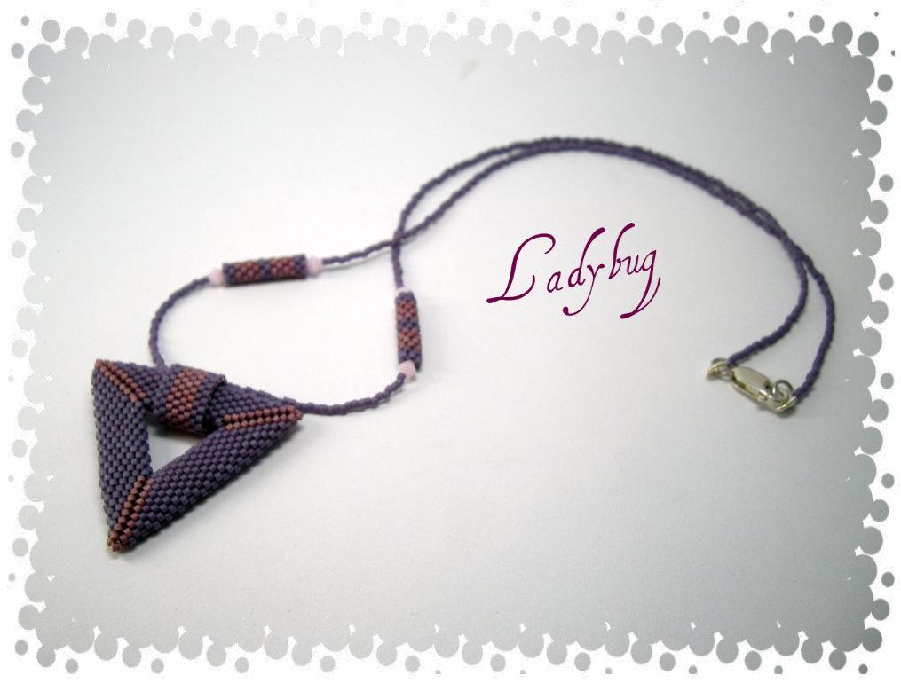 Collana con triangolo peyote