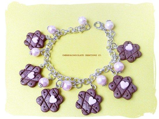 Bracciale dolcetti a fiore e perline in fimo