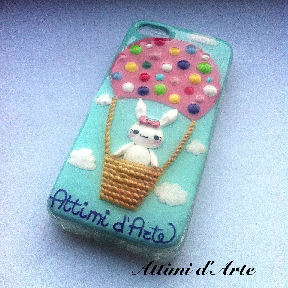 "cover iphone 5 fantasia ""coniglietto kawaii su mongolfiera"" total handmade"