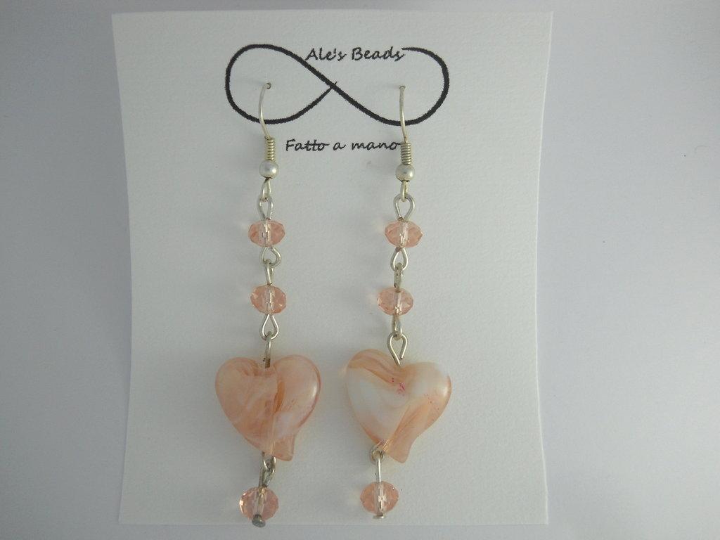 orecchini in vetro a cuore rosa