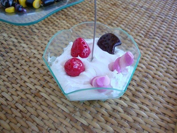 Coppa di panna e fragole