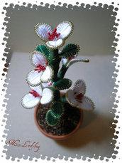 Piantina con fiori di filo moulinè 02