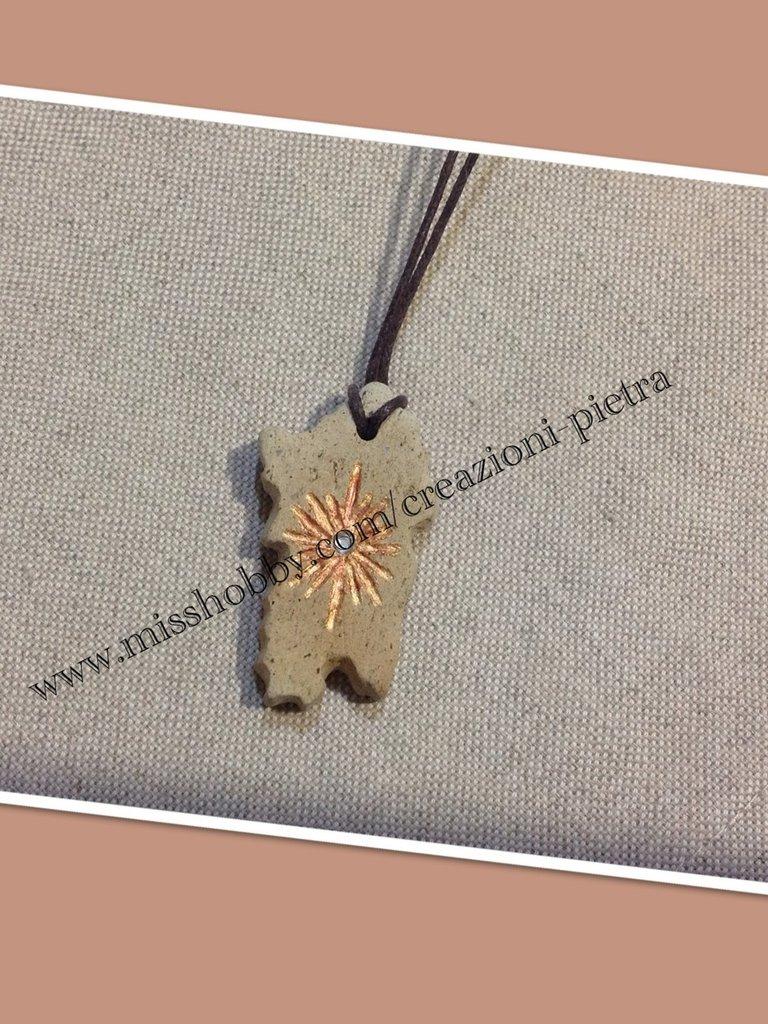 Portachiavi Sardegna in pietra trachite