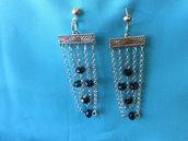 Orecchini pendenti  fatti a mano  con catenelle e cristalli  neri,idea regalo