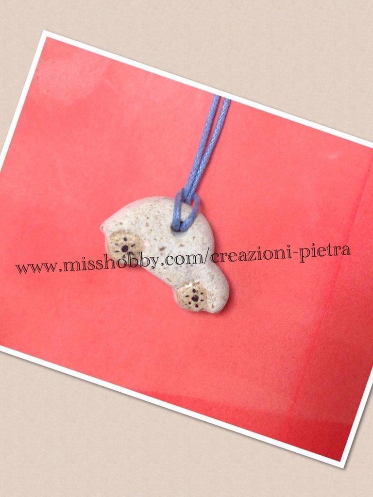 Ciondolino in pietra macchinina