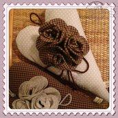 Cuore fuoriporta da appendere in stoffa - country decorazione di rose e nastri