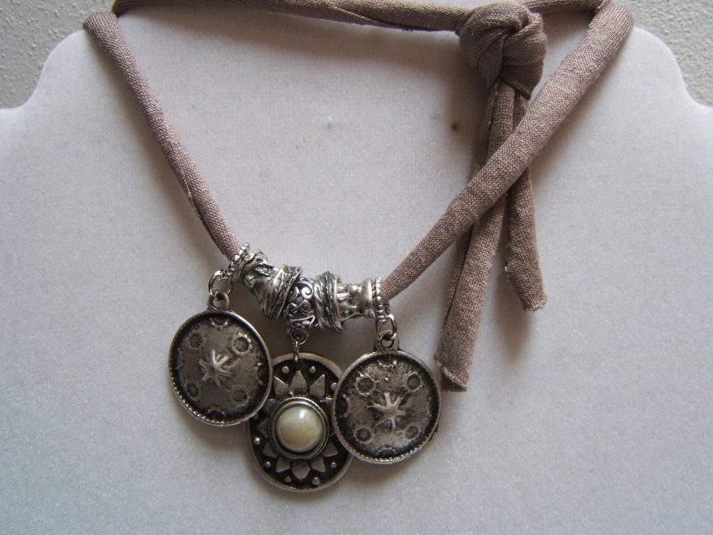 bracciale fettuccia elastica con ciondoli charms, elastic webbing with charms