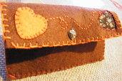 Porta-tabacco marrone in feltro