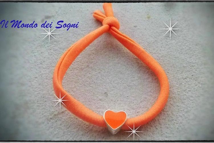 Bracciale arancio fluo lycra cuore MODA ESTATE 2013 too late!