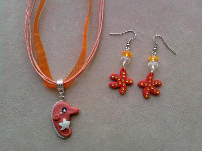 Collana in organza con cavalluccio marino e orecchini con stelle marine fimo