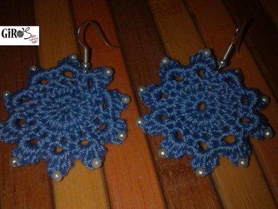 Orecchini in cotone con perline blu