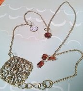 collana in ottone anticato, cristalli, perle , pendente orologio, medaglione traforato