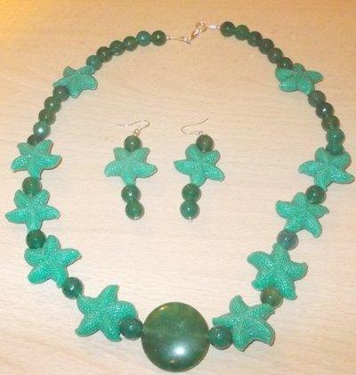 parure con stelle marine e pietre naturali verdi smeraldo