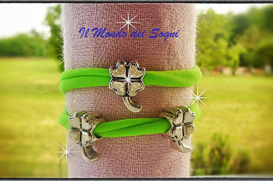 Bracciale verde fluo lycra con charms quadrifogli too late MODA ESTATE 2013