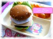 """""""Hamburger"""" giocattolo in feltro realizzato a mano"""