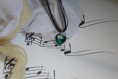 """Collana  """"Love""""  cuore vetro Murano verde smeraldo"""