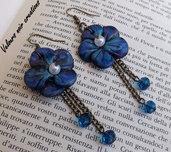 orecchini in bronzo con fiori creati e dipinti a mano in fimo stile vintage