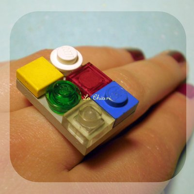 ROCK AND ROLL ROBOTS LEGO ring