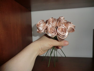 conf. 8 rose di raso profuma biancheria