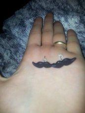 orecchini artigianali baffi