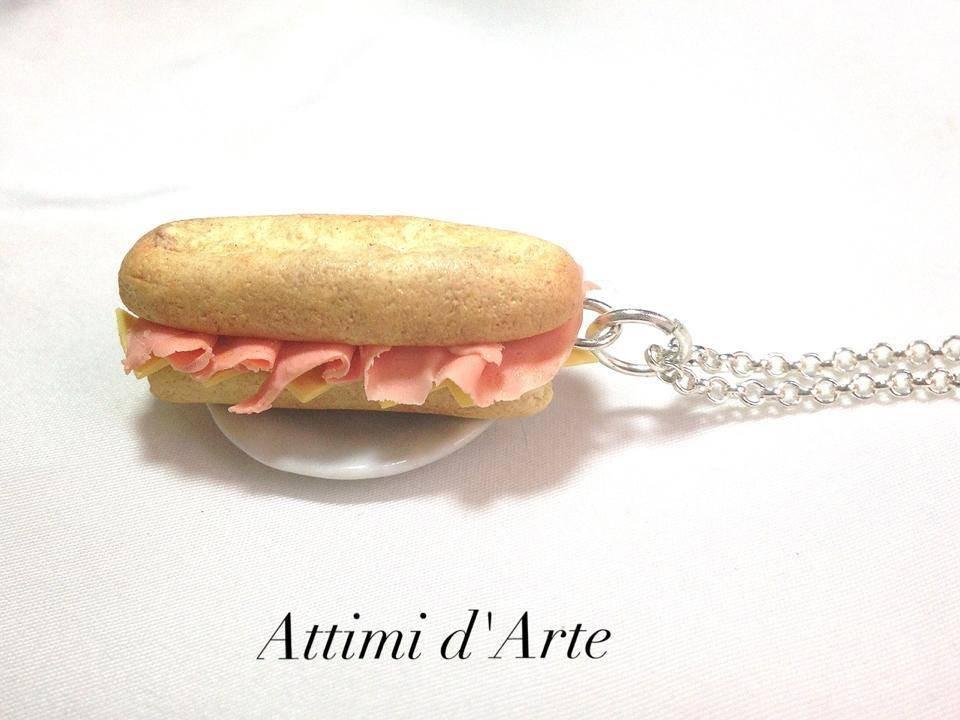 collana panino  baguette con formaggio e prosciutto handmade