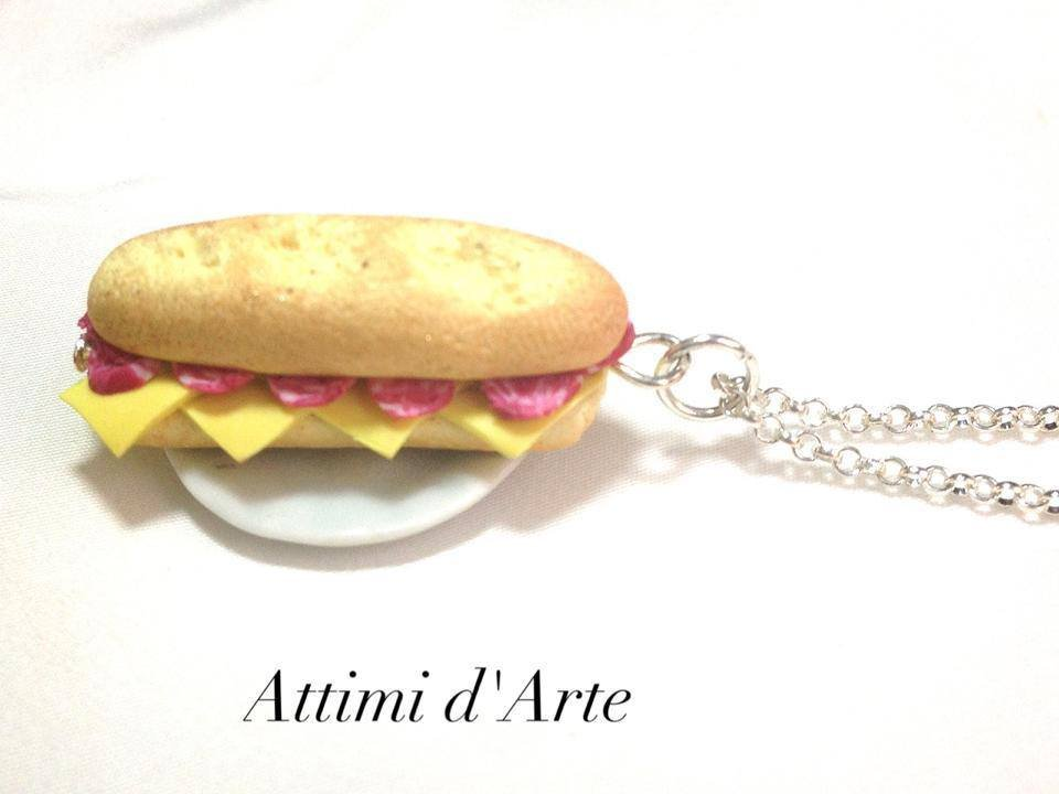 collana panino  baguette con formaggio e salame handmade