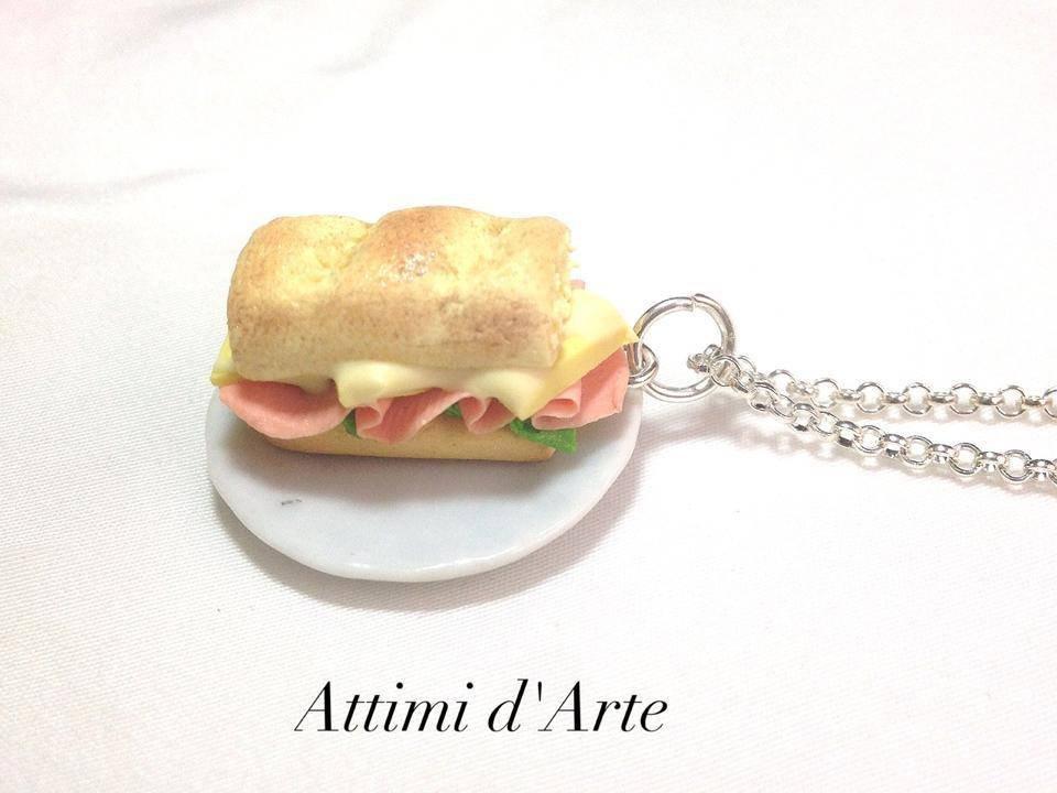 collana panino con formaggio e prosciutto handmade