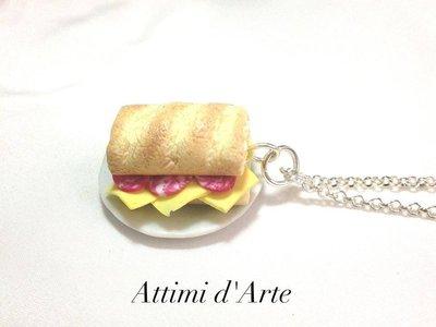 collana panino con formaggio e salame handmade
