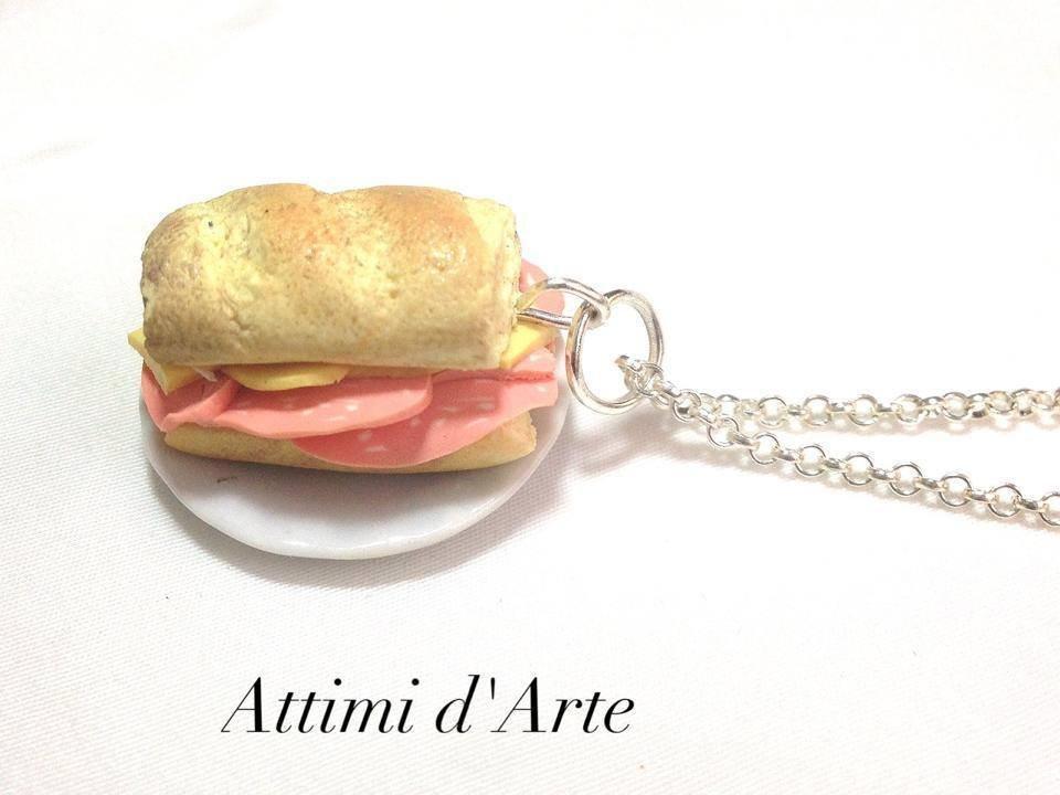 collana panino con formaggio e mortadella handmade