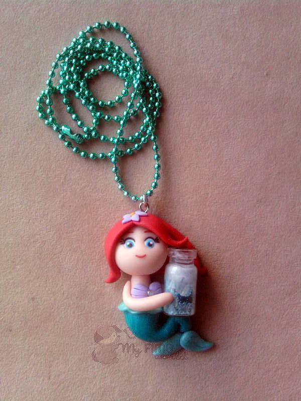 Collana con Ariel e bottiglietta fimo