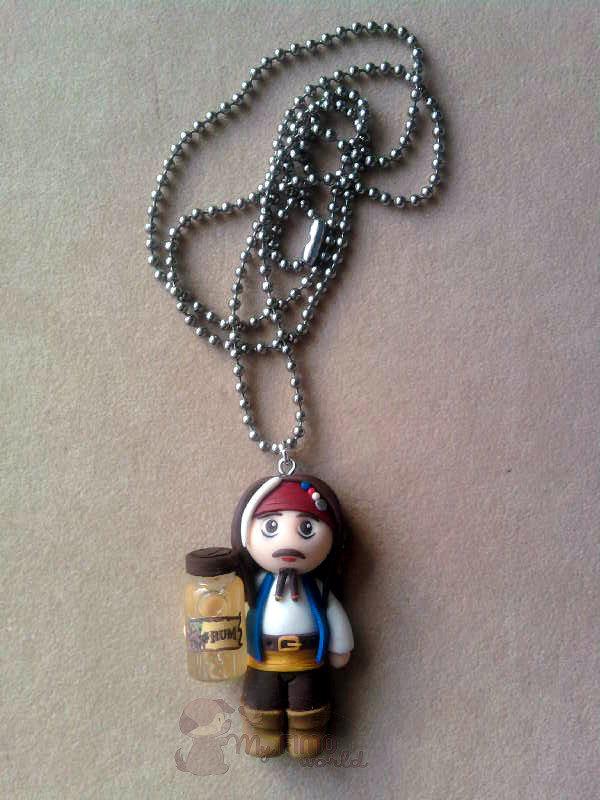 Collana con Jack Sparrow con bottiglietta di rum fimo
