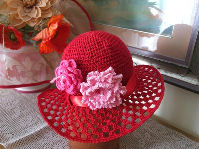 cappellino estivo  per bimba 4-7 anni con cotone rosso