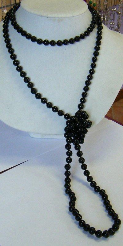 collana lunga 152 cm con perle in vetro nero, fatta a nodi