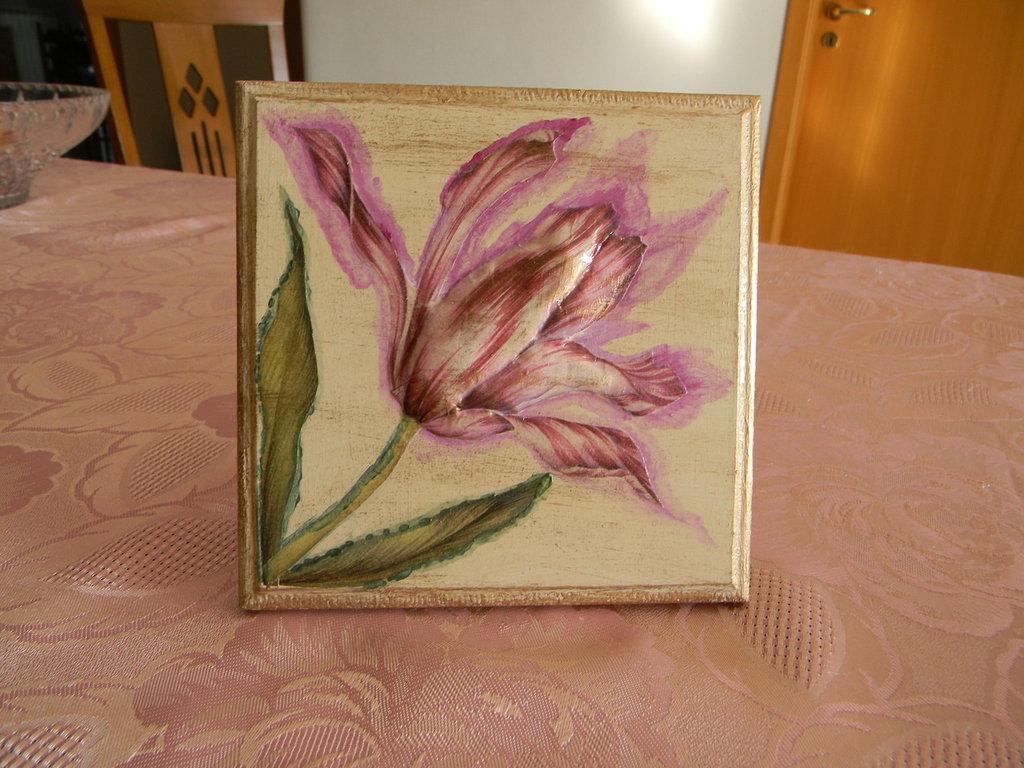 Quadretto in legno con fiore in rilievo