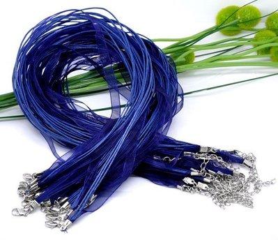 collana con filo organza e fili in cotone cerato colore blu scuro misura 43 cm