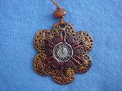 collana fiore steampunk in fimo fatta a mano