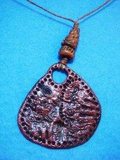 collana con ciondolo stile etnico in fimo e cordoncino  fatto a mano